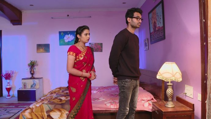 Mrudula with Madhu in Ninne Pelladatha