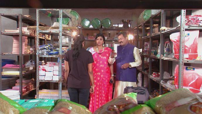 Nithya, Chandrika and Prasad in Kalyana Vaibhogam