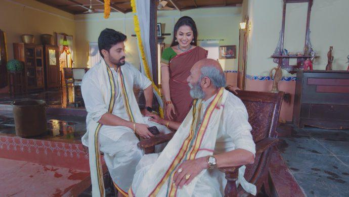 Rahul and Peddayyina in No 1 Kodalu