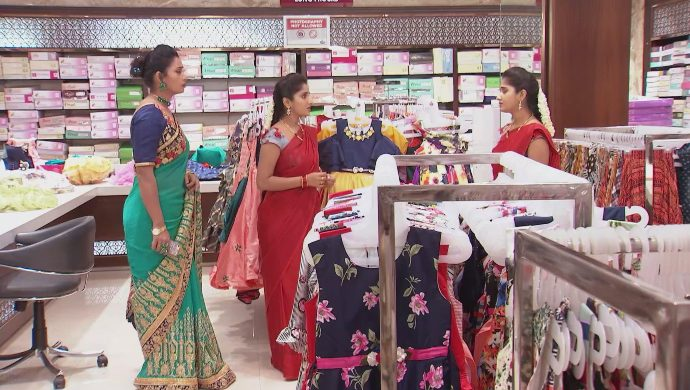 Swaroopa, Manga and Nithya in Kalyana Vaibhogam