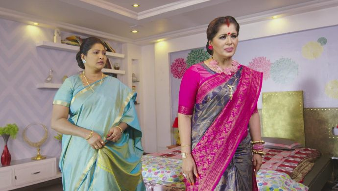 Amma and Vagdevi in No 1 Kodalu