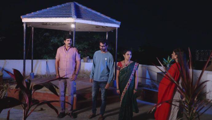 Madhu-Mrudula and Krishna Prasad in Ninne Pelladatha