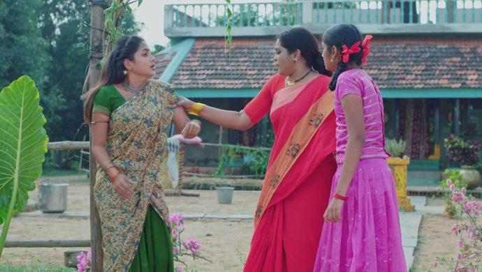 Sarsu, Chinni and Nagamani in No 1 Kodalu