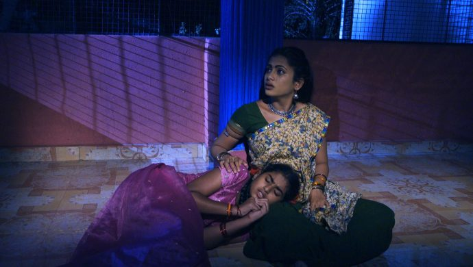 Sarsu and Chinni in No 1 Kodalu