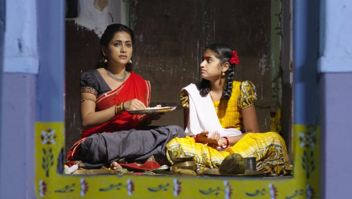 Sarsu and Chinni in No 1 Kodalu