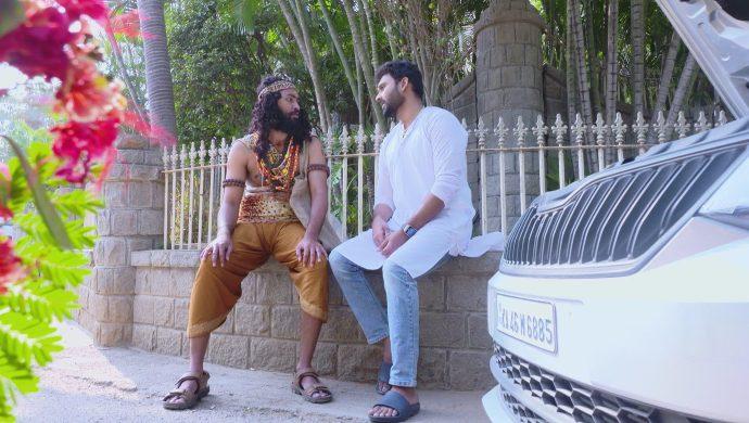 Vikram in Akka Chellellu