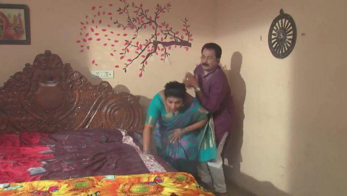 Chandrika and Prasad in Kalyana Vaibhogam
