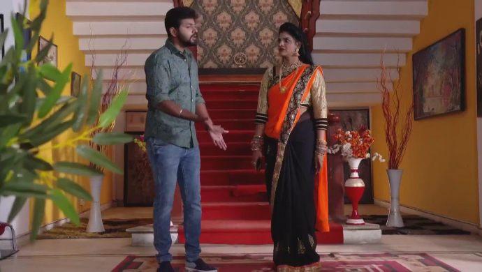Gaurav and Kanakam in Ninne Pelladatha