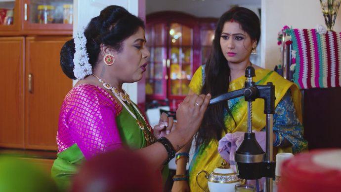 Janakamma and Vinaya in Thoorpu Padamara
