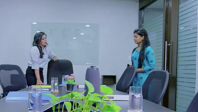 Mira and Anu in Prema Entha Madhuram