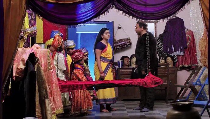 Nayani with the dramatics master in Trinayani
