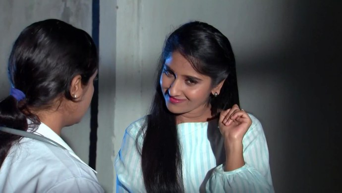 Nithya and the doctor in Kalyana Vaibhogam