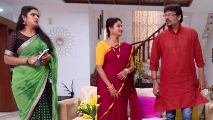 Priyamvada, Vedavati and Vayuputra in Akka Chellellu