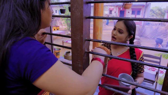 Sumana and Nayani in Trinayani