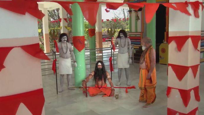 The high priest in Kalyana Vaibhogam