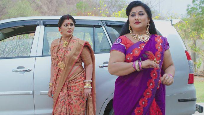 Vagdevi and Kanchayini in No 1 Kodalu