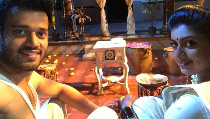 Anirudh and Anjana in Punnaga