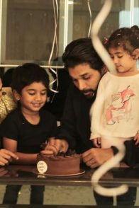 Allu Arjun with Sneha Reddy, Allu Arha and Allu Ayaan