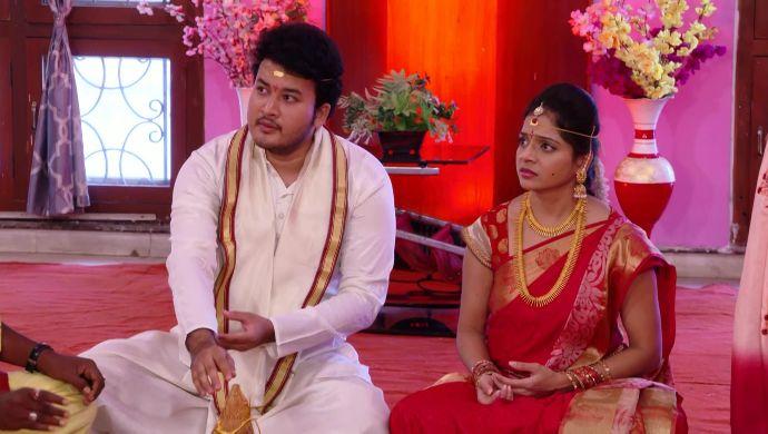 Malli and her groom in Ninne Pelladatha