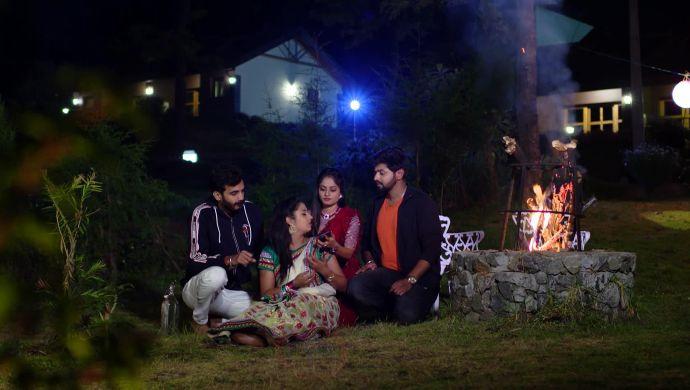 Mrudula, Madhu, Gaurav, Mansi in Ninne Pelladatha