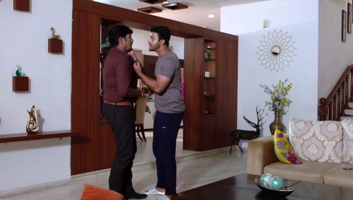 Aditya and Prasad in Akka Chellellu