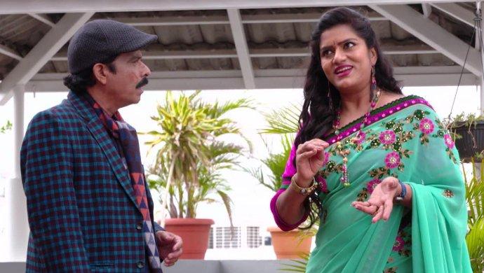 Shobhan Raju and Priyamvada in Akka Chellellu