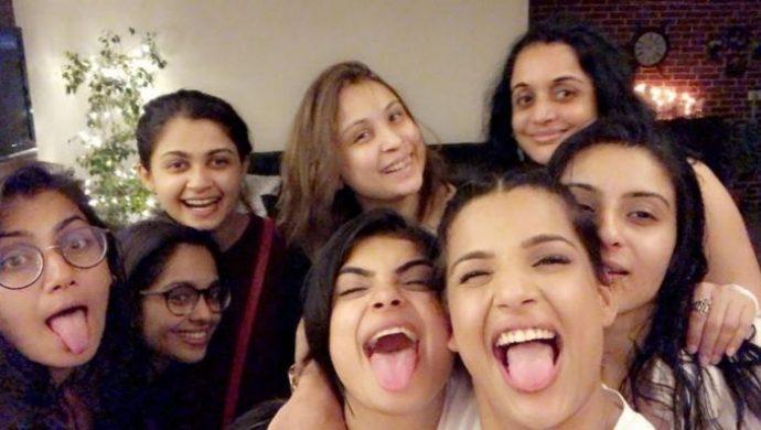 Sriti Jha, Mugdha Chaphekar, Naina Singh, Ashlesha Savant, Aparna Mishra