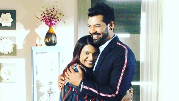Abhi and Riya on Kumkum Bhagya sets