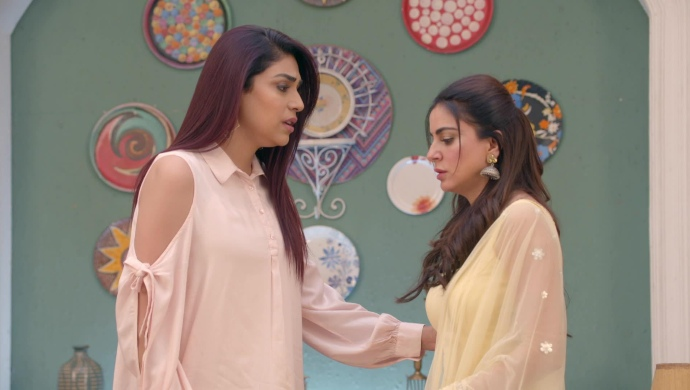Still from Kundali Bhagya with Srishti and Preeta