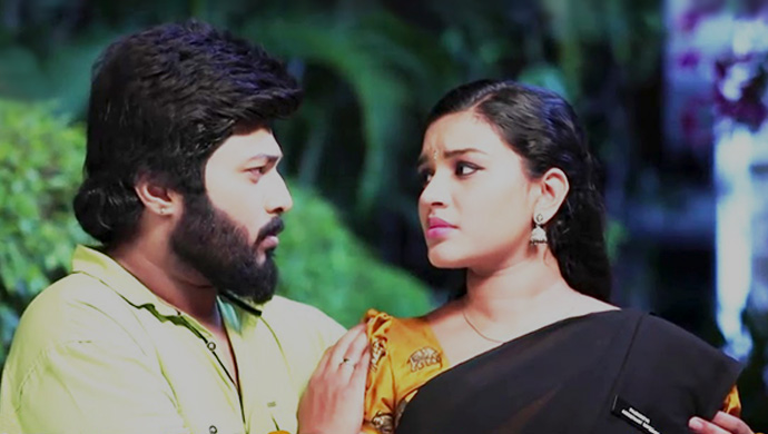 Adithya and Parvathy in Sembaruthi