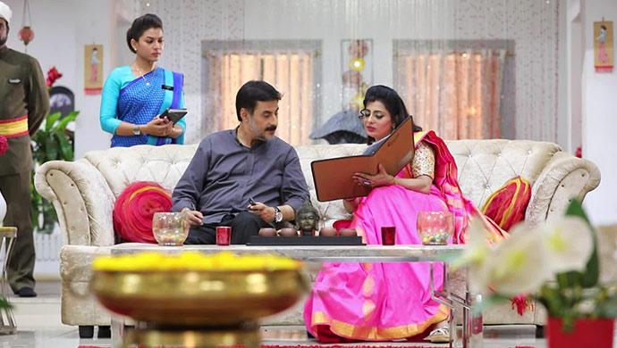 Akhilandeshwari and her husband