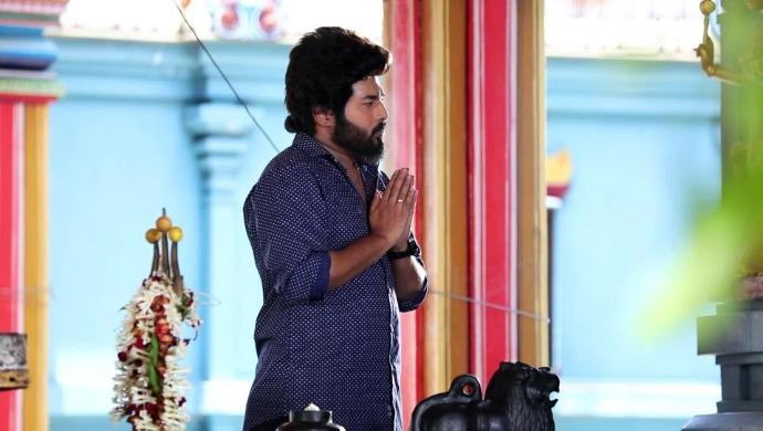 Adithya praying for Parvathy
