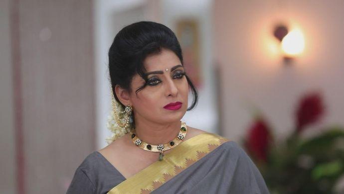 Akhila from Sembaruthi