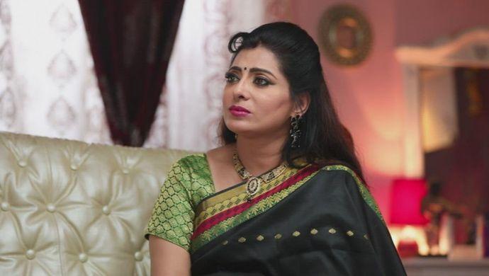 Akhilandeshwari from Sembaruthi