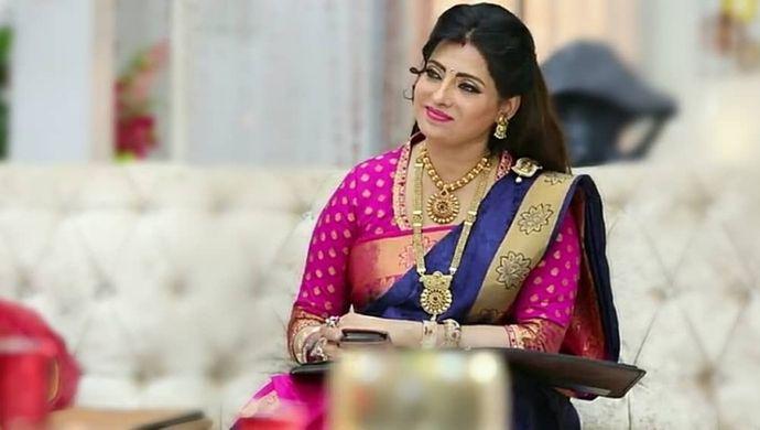 Priya Raman from Sembaruthi