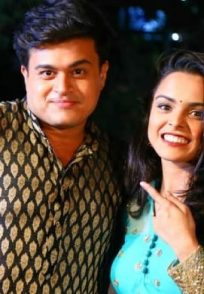Phulpakhru actors Ashish Joshi and Trushna Chandratre.