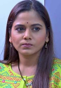 Phulpakhru actress Hemangi Kavi in the still from the show.
