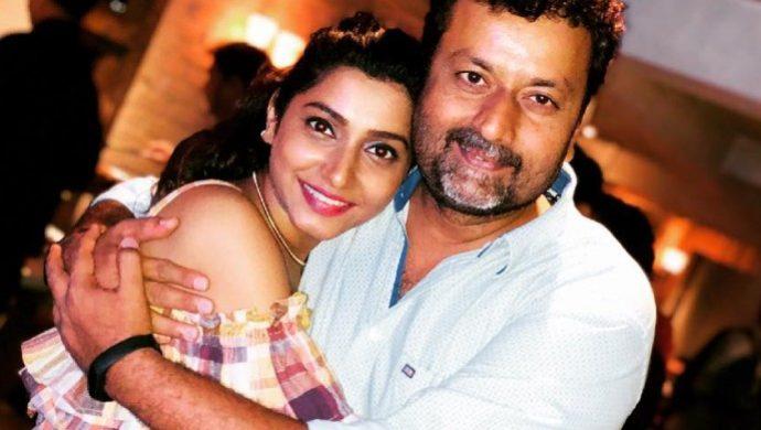 Sur Rahu De actress Gauri Nalawade with director Mandar Devasthali