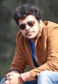Ek Ghar Mantarlela star Suyash Tilak