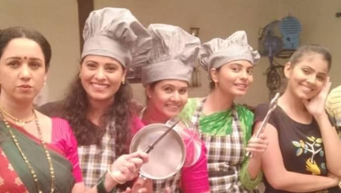 The cast of Saajana