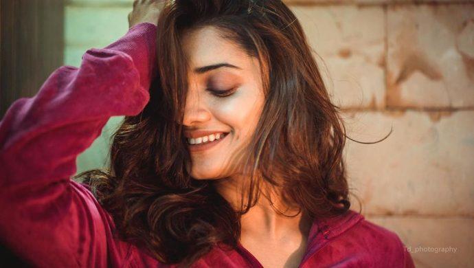 Phulpakhru actress Hruta Durgule
