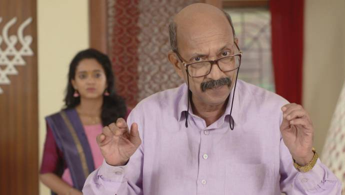 Scene from Almost Sufal Sampoorna