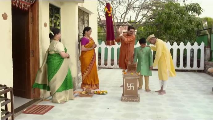 Ketkar family from Almost Sufal Sampoorna