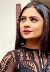 Deepika Das's Naagini Outfits Make Her Look So Much More Cute