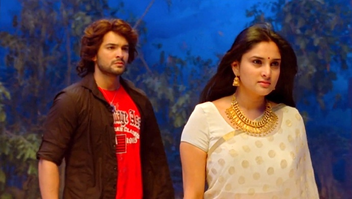 Diganth And Ramya In A Still From The Movie Nagarahavu