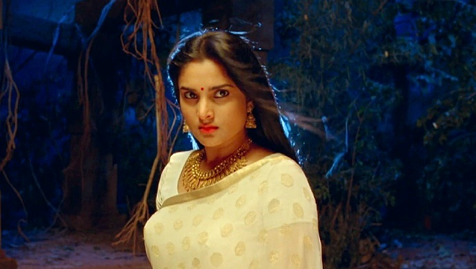 Sandalwood Queen Ramya In A Still From Nagarahavu