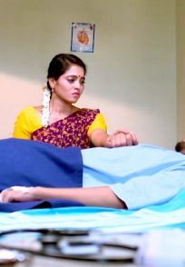 A Still Of Aarthi And Vikranth In The Hospital Room