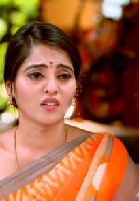 A Still Of Aarthi Being Worried For Her Love Vikranth