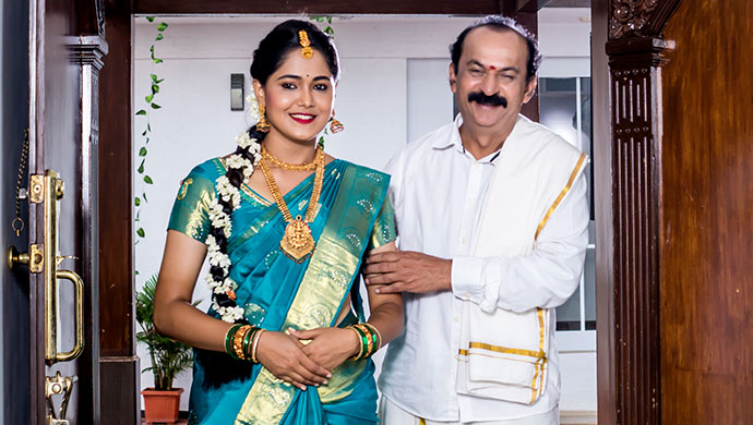 A Still Of Paaru And Hanumanthu