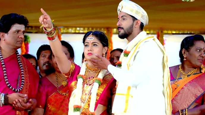 Paaru And Aditya In A Still From Their Wedding